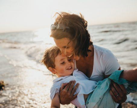 NIPT(新型出生前診断)と胎児ドックの違いとは?検査手法や検査対象の違いなどを解説