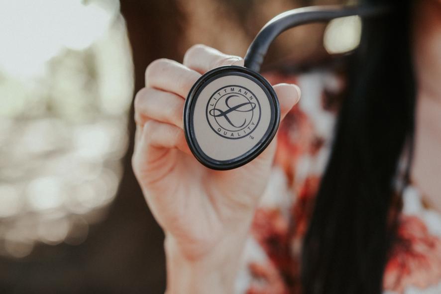 NIPT(新型出生前診断)とマーカーテストは何が違う?迷ったらどちらを選ぶべき?